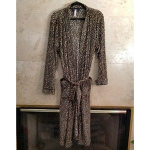 Gillian & O'Malley Leopard Print Robe